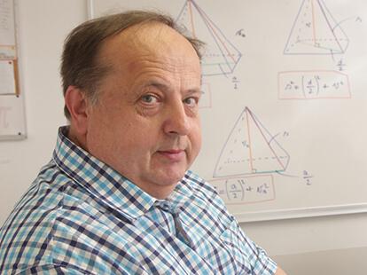 Inštruktor Dušan O. za matematiko, fiziko, mehaniko, strojništvo in elektrotehniko